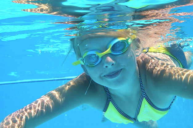 Piscina valencia ven a la escuela de nataci n for Piscina de natacion